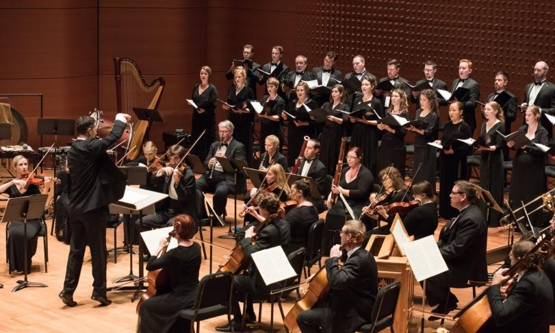 Review True Concord Voices and Orchestra & Eric Holtan - Carols in the American Voice