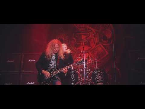 Video Saxon - Thunderbolt (Official Video)