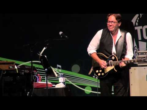 Video Al Di Meola - Flight Over Rio, Elegant Gypsy - Live TD Toronto Jazz Festival 2015